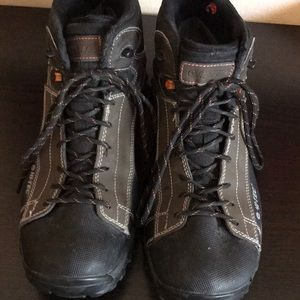 Hi-Tec men's waterproof hiking boots